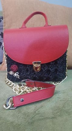 Πλεκτή Τσάντα Prada Black-Red Handmade Bags, Prada, Shoulder Bag, Crochet, Black, Fashion, Moda, Handmade Handbags, Black People