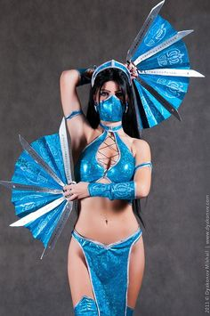 Kitana Cosplay - Ha ha Becky and I want to go as Mileena and.Kitana.from.Mortal Kombat for comic con.