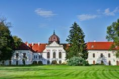 Sisi Tour - Gödöllő - Best Budapest Tour Guides - Find the type of tour YOU would like to take! Hotels, Budapest, Her World, Royal Palace, Horseback Riding, Tour Guide, Small Towns, Hungary, 6 Years
