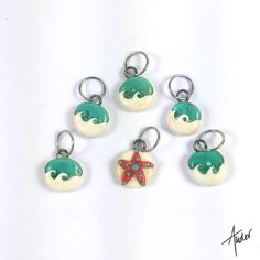 These are now available!!! You can get a set of 6 or set of 4 with options for all markers all clasps or a combo of one progress keeper and markers! Link is in the profile! Add a bit of summer and the beach to your projects! #stitchmarkers #sandandsurf #beach #crochetersofinstagram #knittersofinstagram #crochet #knitting by anntudorllc