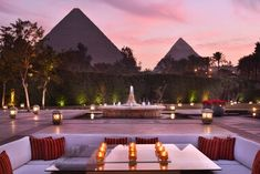 Tour Marriott Mena House, Cairo with our photo gallery. Our Cairo hotel photos will show you accommodations, public spaces & more. Cairo Restaurant, Restaurant Indian, Luxor, Great Pyramid Of Giza, Pyramids Of Giza, Giza Egypt, Visit Egypt, Honeymoon Places, Hotels