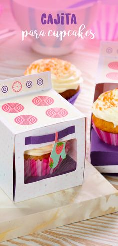 El empaque de tus cupcakes será mucho más divertido si haces esta increíble cajita que tiene forma de estufa. Es muy fácil de armar y le da una vista muy linda a tus cupcakes complementándolos para que de la vista nazca el amor.