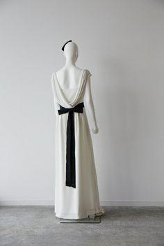 ザ・サリィ(THE SURREY)  BACK DRAPE DRESS