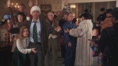 Screencaps from National Lampoon's Christmas Vacation 17912212 Famous Christmas Movies, Lampoon's Christmas Vacation, Christmas Classics, Holiday Movies, Holiday Parties, Holiday Fun, Secret Santa Gift Exchange, Secret Santa Gifts, Griswold Christmas