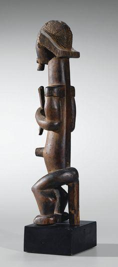 Fang Eyema Byeri (Reliquary Guardian Figure), Ngumba, Gabon http://www.imodara.com/post/104871780649/gabon-fang-eyema-bieri-reliquary-guardian