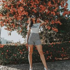 18 Cute Outfits For Hot Days – girl photoshoot poses Portrait Photography Poses, Fashion Photography Poses, Tumblr Photography, Photography Jobs, Photography Competitions, Photography Lessons, Newborn Photography, Photography Office, Inspiring Photography