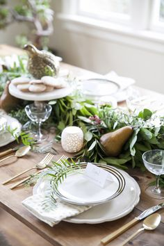 twelve days of christmas holiday tabletop setting by coco+kelley                                                                                                                                                                                 Plus