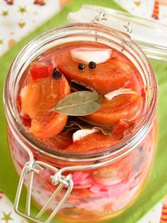 Marinated persimmon (In Russian) Tomato Cream Sauces, Fruit Flowers, Batch Cooking, Stuffed Sweet Peppers, World Recipes, 20 Min, Food And Drink, Homemade, Canning
