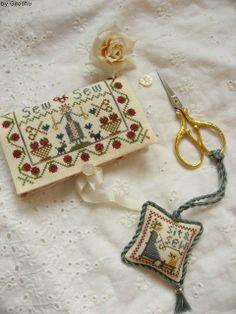 Sew & Sew  Designer / Merry Cox  Stitch Count / 83W * 102H  Fabric / 40ct Newcastle Linen Zweigart - Cream  Thread / Gentle Art (Sampler Thread)