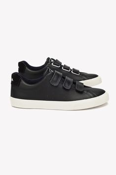 Shop Sustainable and Eco Friendly Shoes and Accessories - Amour Vert Black Leather Sneakers, White Sneakers, Veja Esplar, Minimalist Shoes, Minimalist Wardrobe, Minimalist Style, Minimalist Living, Veja Sneakers, Leather