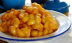 Need a recipe for a tasty sweet snack? Try this koeksisters recipe for a delicious baked treat today. Koeksisters Recipe, South African Braai, South African Desserts, Baking Recipes, Macaroni And Cheese, Tasty, Treats, Homemade, Snacks