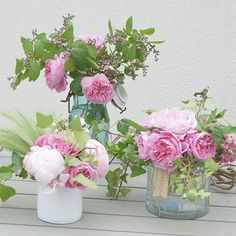 Beaucoup de fleurs ce matin sur Ig.... Quelques unes de plus pour embellir ce joli dimanche. #fleurs #flowers #instaflower #gardenflowers #rose #rosedujardin #pivoines #instadeco #lierre #bouquet #bouquetdujardin