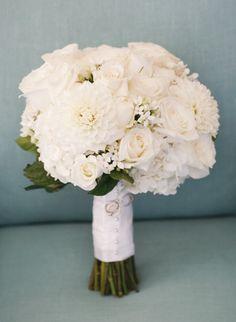 white bridal bouquet; photo: Marisa Holmes Photography