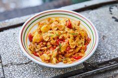Nápolyi krumplis tészta Curry, Ethnic Recipes, Food, Curries, Essen, Meals, Yemek, Eten