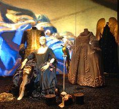 Centre National de Costumes de Scènes (Moulins, Allier) Costumes portés dans l'opéra Manon (Massenet)