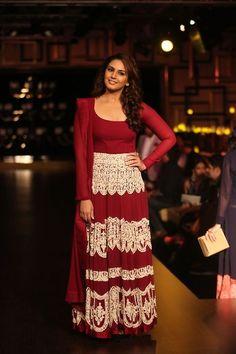 love her dress :)