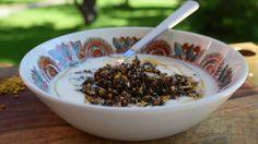 Hemgjord yoghurt med honungsgranola