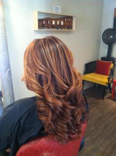 Brilliant browns kissed with red and copper. Love it because it is light but still looks dark for fall. Love Hair, Great Hair, Gorgeous Hair, Awesome Hair, Hair Color And Cut, Hair Colour, Fall Hair Colors, Hair Highlights, Copper Highlights