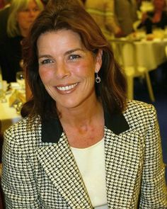 Princess Caroline has been seen alot in Chanel couture and in Valentino couture, i was wondering if she borrows the dress's, given to her or she actually buys them? Patricia Kelly, Grace Kelly, Princesa Alexandra, Monaco Royal Family, Princess Stephanie, Valentino Couture, Royal Fashion, Her Style, Glamour