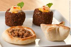 Espaço Árabe (jantar)    Mini esfiha recheada  Carne, verdura ou ricota acompanhada de homus com pão sírio e falafel