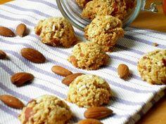 Questi biscotti croccanti alle mandorle e cocco sono diventati la mia ultima ossessione! Semplicissimi e veloci da preparare, pochi ingredienti per dei bis