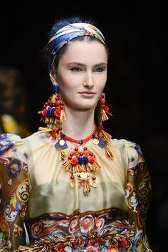 Dolce & Gabbana  Primavera Verano 2013 - Detalles