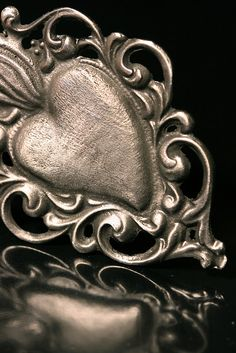 Heart Shaped / Corazon Milagro