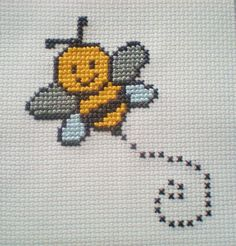 Bumble Bee Counted Cross Stitch Kit 6 Count for Children by CordylionCreatives on Etsy Mini Cross Stitch, Cross Stitch Cards, Simple Cross Stitch, Cross Stitch Animals, Counted Cross Stitch Kits, Cross Stitch Embroidery, Embroidery Patterns, Cross Stitch Kitchen, Cross Stitch Designs
