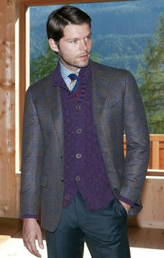 Mens jacket with blanket pattern. More men's suit patterns @ http://www.moderngentlemanmagazine.com/mens-suit-patterns/