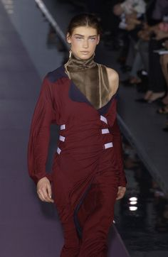 Fendi at Milan Fashion Week Fall 2003 - Runway Photos