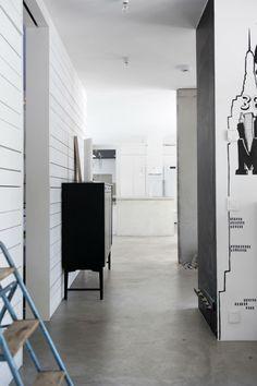 hall_byrå_stege_i_inredning_grafittvägg_http://www.qreate.se/villa-stoor-i-plazainteror/