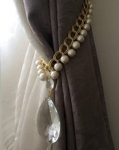 PAIR of Chanel inspired tiebacks, golden chains curtain holders with faux pearls and vintage crystals Cortinas Shabby Chic, Rideaux Shabby Chic, Shabby Chic Curtains, Luxury Curtains, Home Curtains, Curtain Holder, Curtain Tie Backs, Bijou Box, Curtain Accessories