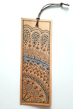 My fourth zen art bookmark. Quite difficult doing just a segment of a mandala. Used white gel pen to cover some errors - I like the effect, will use it again! Doodle Art Drawing, Zentangle Drawings, Mandala Drawing, Zentangles, White Paint Pen, White Gel Pen, Creative Bookmarks, Diy Bookmarks, Gel Pen Art