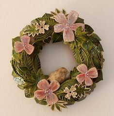 Procházka zahradou 28. Garden Totems, Floral Wreath, Workshop, Pottery, Wreaths, Ceramics, Fall, Flowers, Beautiful