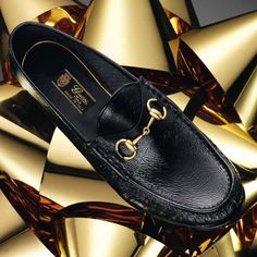 Gucci black patent leather horsebit loafer