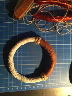 Vervolgens 'wormen', een stukje leer en twee Turkse knoopjes