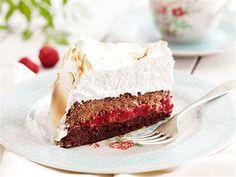 Brownietårta med fluffig maräng. Desserternas dessert.