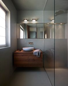 Shui Comfort washbasin by Cielo. bathroom project by Droulers Architecture