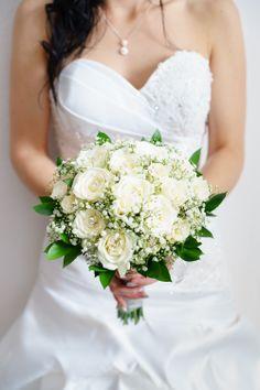 Bouquet of the Bride Bouquet, Wedding Photography, Bride, Wedding Dresses, Fashion, Bodas, Wedding Shot, Bride Dresses, Moda
