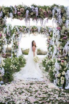 Gorgeous wedding ceremony idea via Victor Sizemore Photography