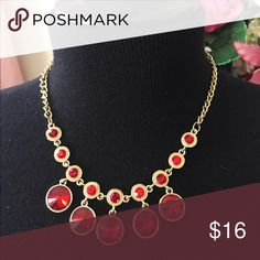 Beautiful necklace Red stones on gold. Very pretty! Jewelry Necklaces