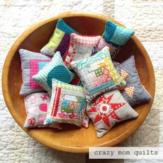 finish it up Friday, (crazy mom quilts) Diy Craft Projects, Sewing Projects, Sewing Ideas, Diy Crafts, Craft Ideas, Scrap Busters, Homemade Quilts, Crazy Mom, Laundry Drying