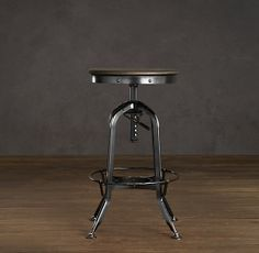 69 Ideas Kitchen Island Stools With Backs Restoration Hardware Industrial Metal Chairs, Cafe Industrial, Industrial Interiors, Modern Industrial, Industrial Furniture, Rustic Furniture, Kitchen Furniture, Industrial Shelving, Industrial Office
