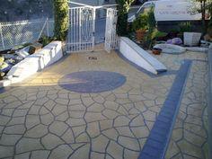 pavimento antiscivolo in resina e cemento  realizzato su fondo esistente, spessore medio 8 mm