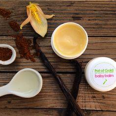 Glücklichmacher in Schotenform! Warum unser Vanille-Öl nicht nur gut für die Haut, sondern auch für die Seele ist, erfahrt ihr hier: