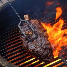 #vlees #cotedeboeuf #rundvlees #bbq #barbecue #grillen #grilling #gruwelijkgrillen #hoofdgerecht #foodandfriends Beef Recipes, Vegan Recipes, Family Kitchen, Recipe For Mom, Kitchen Recipes, Barbecue, Steak, Roast, Vans