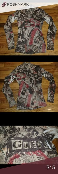 Guess Newspaper Print Long Sleeve Zip Up Top XS Worn many times, you can feel the pilling on the body but can't see it due to the print style. Fashion Prints, Fashion Design, Fashion Tips, Newspaper Printing, Guess Bags, Zip Ups, Household, Smoke Free, Times