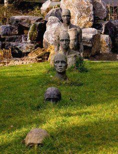 Monique Donckers garden sculptureLeopold Street 24  2000 Antwerpen  03 232 40 87  Fax 03 227 40 87