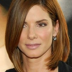 Shoulder Length Hairstyles for Women Oval and Round Face