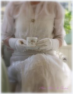 Aiken House & Gardens: A Lighter Shade of Pale ( antique afternoon tea dress ) Shades Of White, Light Shades, Victorian Tea Party, Victorian House, My Cup Of Tea, High Tea, Belle Photo, Afternoon Tea, Tea Time